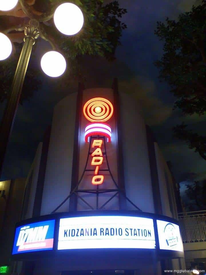 radio station signage   DZMM