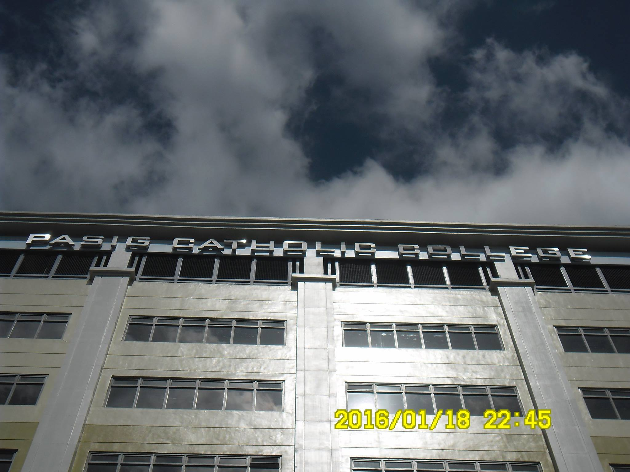 pasig-catholic-school-building-stainless-signage|stainless sign |signage maker