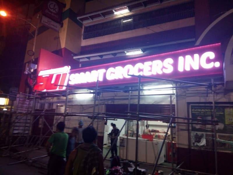 smart grocer building signage 2