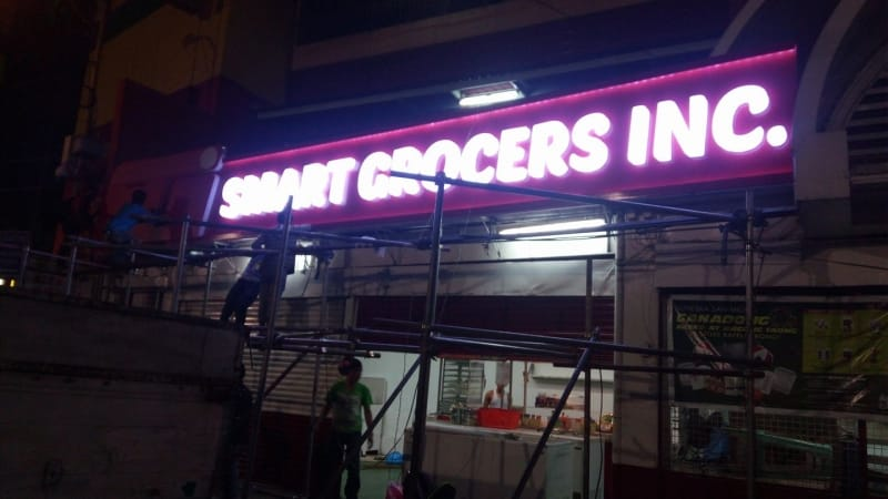 smart grocer building signage