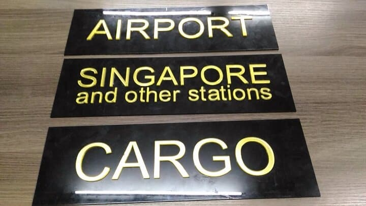 directional signs cargo