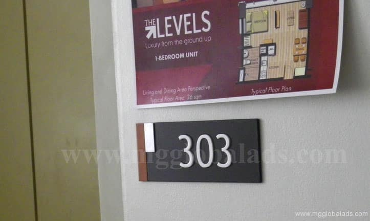 floor_signs|photo luminescent sign |directional signs