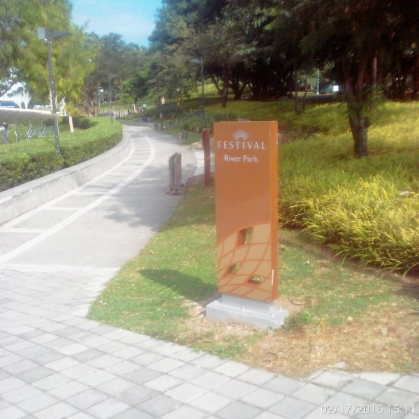 festival parking totem signage | Directional Signage | Wayfinding Signage