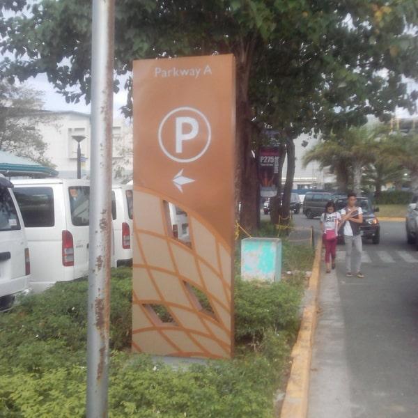 festival parking totem signage | pylon Signage | Wayfinding Signage