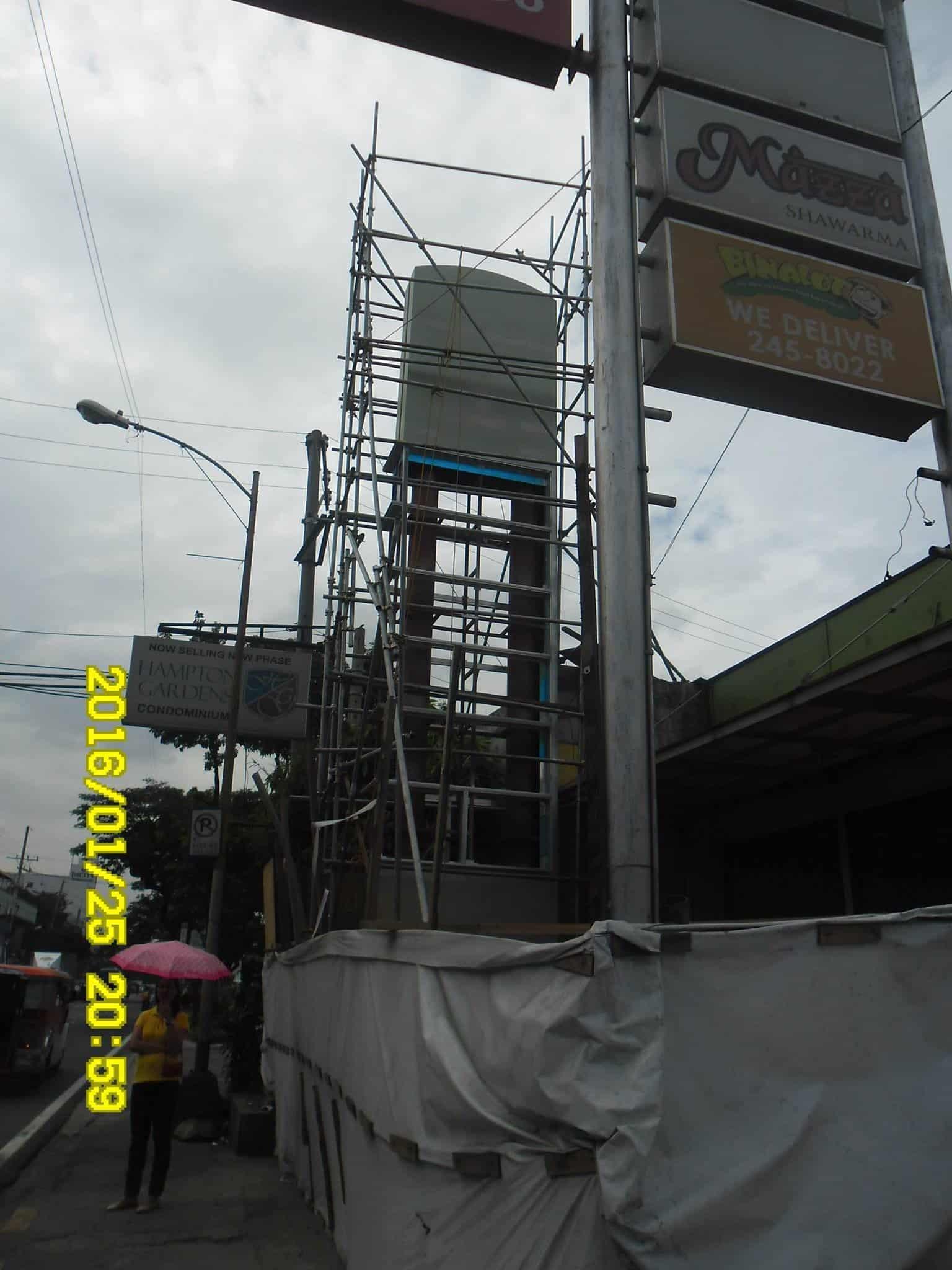hampton pylon| Acrylic Signage |signage companies