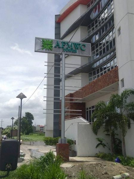 pylon post sign apmwc