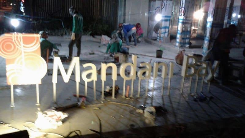 mandani bay stainless signage 5